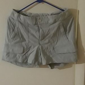 Athleta womens quick dry shorts size 10 like new